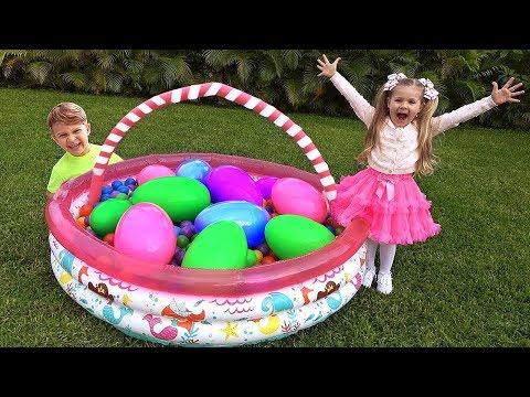 Diana Menemukan Telur Mainan Besar Dengan Kejutan