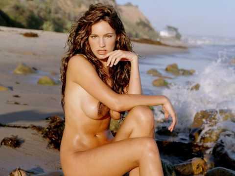 Women naked in beach
