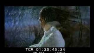 Kadhalae En Kadhalae- Maaya Song