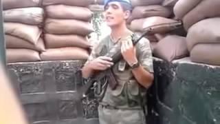 ASKER  Kürtçe Şarkı Söylüyor   BE TE NABE