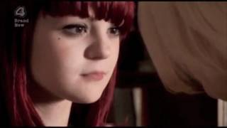 Skins - Naomi and Emily (First kiss)