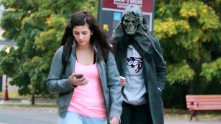 Scaring People Who Text & Walk At The Same Time Prank