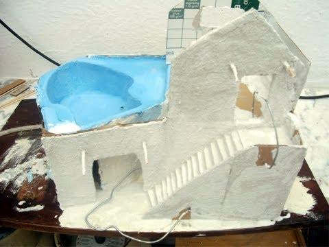 Casa da Piscina em papel cartonado