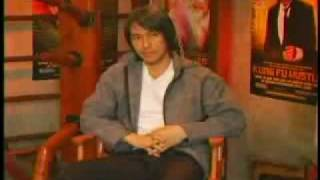 Stephen Chow got pissed by the reporter!! The translation was totally bullshit!!