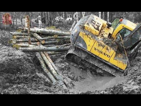 Excavator in deep shit Heavy Recovery Terribärgarn Sweden