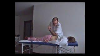 Aplicação da massagem Tui-Na para o tratamento da hérnia discal Lombar