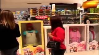 Broma de cámara oculta en una juguetería