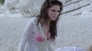 Bollywood actress gets wet on the beach
