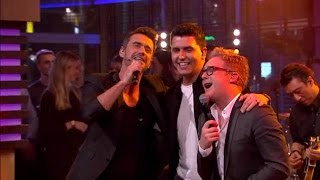 Schlagertrio KLUBBB3 zingt hit ''Het Leven Danst Sirtaki