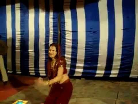 Amazing Desi Young Indian Rocking Bhabhi Dancing on the floor