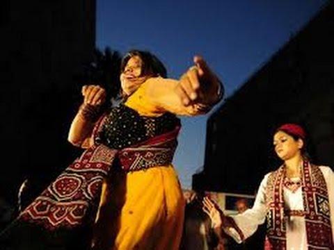 sindhi singers female Singing in Nawabshah