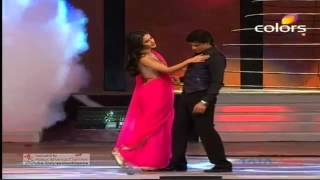 Katrina Kaif & Shahrukh Khan in 18 Screen Awards 2012 by Jawad