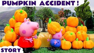 Peppa Pig Play Doh Halloween Pumpkin Thomas and Friends Accident | Juguetes de Peppa Pig