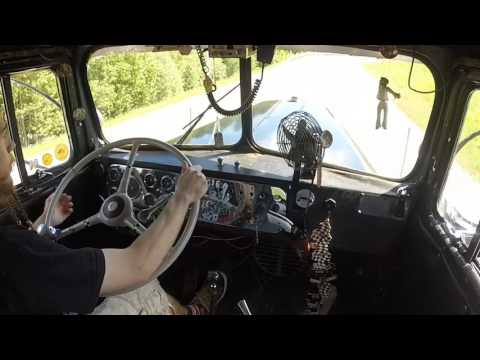 Shifting the 1950 Kenworth