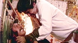 Shashi Kapoor Fight With Danny - Aandhi Toofan, Action Scene 1/10