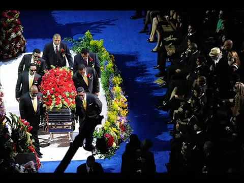 BOMBA MICHAEL JACKSON VIVO no seu próprio Funeral