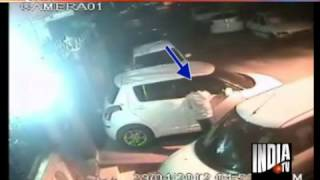CCTV images of Maruti Swift car theft in Delhi