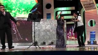 Mohanlal Shahrukh Khan & Rimi Tomy singing for srk in Dubai asianet awards HD