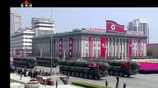 """عرض عسكري بمناسبة """"يوم الشمس"""" في بيونغ يانغ"""