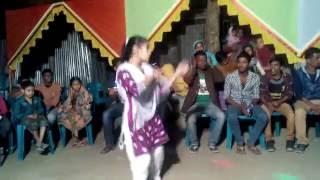 images Bangla New Videos 2016 বিয়ের গায়ে হলুদে মেয়েটির নাচ দেখে সবাই অবাক