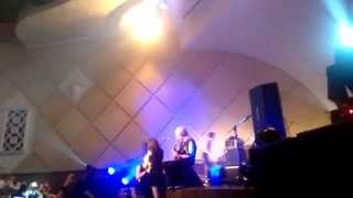 One Ok Rock Live in Brazil Marriage proposal mid concert + Wherever you are full song