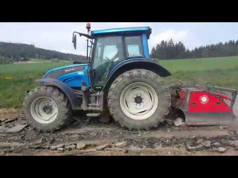 Xxx Mp4 PTH ECO Crusher 150 Mit Valtra Traktor Beim Abbruch Einer Asphaltdecke 3gp Sex