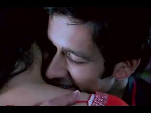 Pyar Ka Dard Hai Meetha Meetha Pyara Pyara Kissing Scene