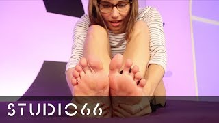 Reed Amber - 1st Time Heel Dangle & Foot Rub #FetishFriday