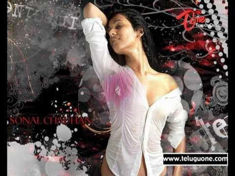 Spicy Show of - Indian fashion Model - Sonal Chauhan