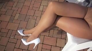 Pantyhose layers - pantyhose Leggs Sheer Energy - Medium Support Leg color Suntan