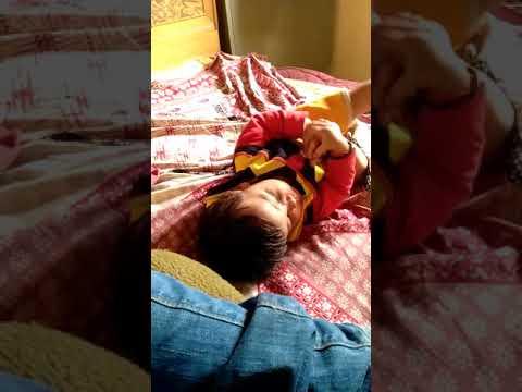 Xxx Mp4 Yeh Ek Pyari Si Choti Si Bachi Kaise Ghar Me Akele Khel Rahi Hai Jara Dekhe 3gp Sex