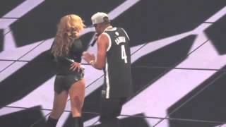 Jay Z slaps Beyonce's ass in concert