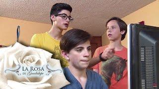 Joel invita a sus amigos a ver porno   Virus del polícia   La Rosa de Guadalupe