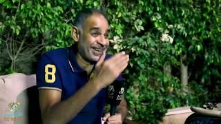 محمود البزاوي يحكي موقف كوميدي مع احمد زكي في فيلم الهروب | الراديو بيضحك مع فاطمة مصطفي