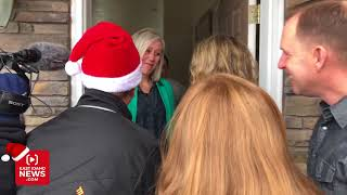 Mother sobs when all her neighbors and Lexi Walker show up to help Secret Santa