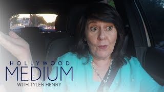 Tyler Henry's Mom Helps a Booty in Need! | Hollywood Medium with Tyler Henry | E!