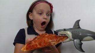 "Feeding My Pet Shark, Pizza, Ice Cream & Gumballs ""Toy Sharks Video"""