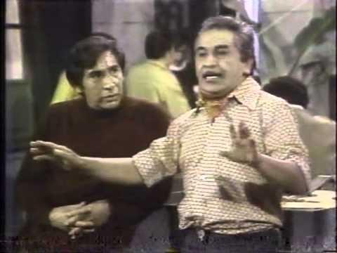CHAVA FLORES (1973) CANTA UNO DE SUS EXITOS ACOMPAÑADO DEL ACTOR JOSE CARLOS RUIZ