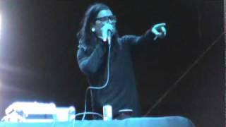 Skrillex (Sonny Moore) telling off some guy (2011 NeverSayNever Music Festival)