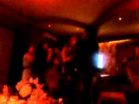 Thác loạn tại Karaoke