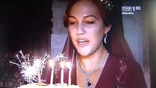 Tort urodzinowy dla Meryem Uzerli na planie serialu Wspaniałe Stulecie