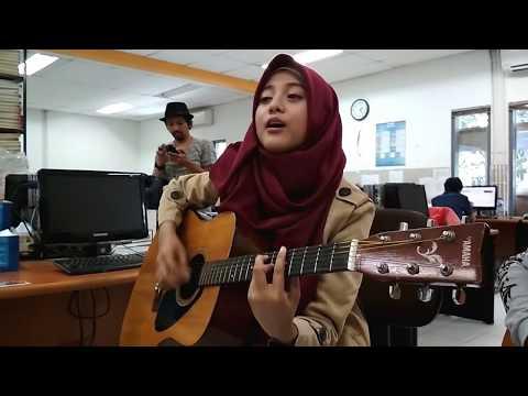 MERDU BANGET ! Bojoku Galak - Akustik Cover by Irta 'Qasima'