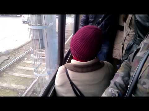 v-tramvae-golaya-starushka