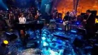 mika - grace kelly (live at jools annual hootenanny 31 - 12 - 2007)