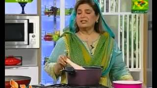 Aloo Ki Bhajia, Channay Ka Salan, Halwa And Puri by Shireen Anwer