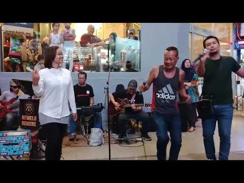 Xxx Mp4 Orang Myanmar Nyanyi Lagu Joget 3gp Sex