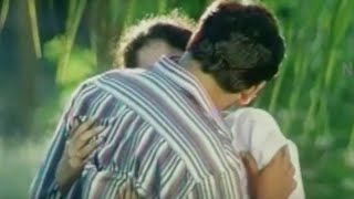 Vikram Kissing Sneha - Youth Movie Scenes
