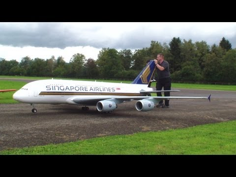 Orig.RCHeliJet™ Ferngesteuert Gigantic A 380 Singapore Airlines Peter Michel Hausen a.A 2013