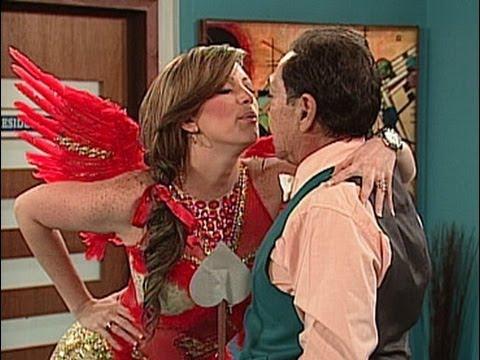 A Que Te Ríes Navarrete y Sabrina vestida de cupido