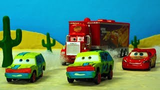 HIT & RUN Crash n Smash Derby Crazy 8 Racers Lightning McQueen Mack Hauler Disney Cars Toys Movies